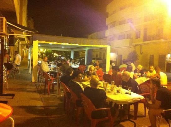 Juanma: Tapas Bar im Herzen von Naverres