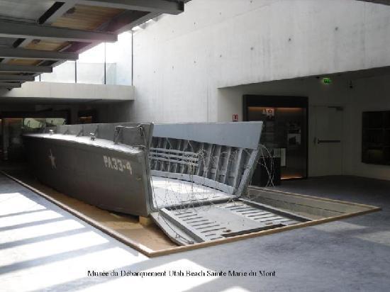 Musée du débarquement Utah Beach : Barge de Débarquement