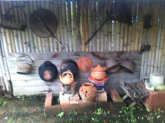 เอเชีย ซีนิค ไทยคุกกิ้งสคูล: her little traditional display kitchen