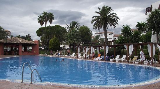 Club Marmara Marbella: une des piscine de l'hôtel