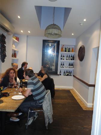 La Bottega in Kensington: i tavoli interni