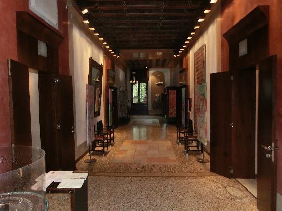 Ca' Pisani Hotel: Hallway 2nd floor