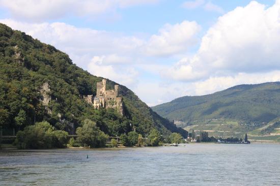 Rheinhotel Lamm: Beautiful but short Rhine cruise from Rudesheim to Assmannhausen