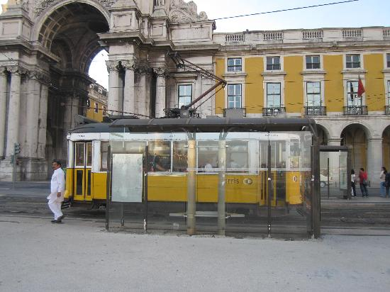 Tram 28: you can start from this stop in Alfama