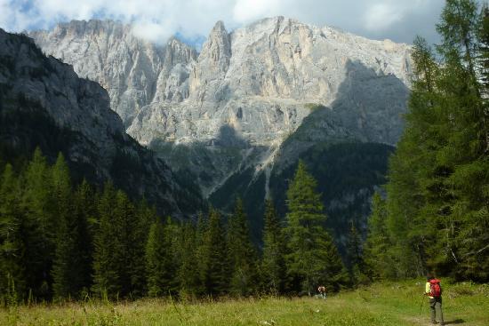 Hotel Tyrolia: La mitica parete sud della Marmolada 31.08.2011