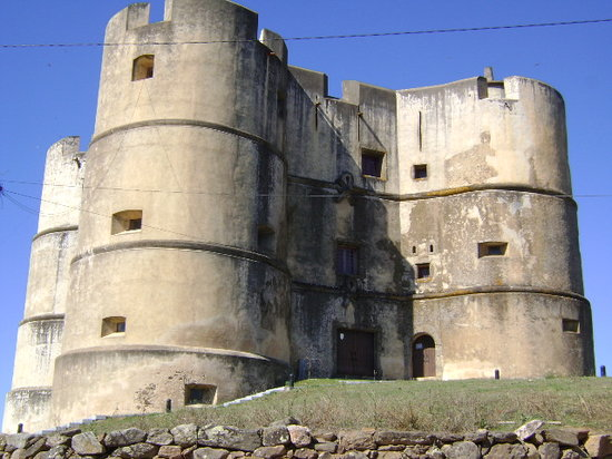 Science-Fiction castle in Evoramonte - Review of