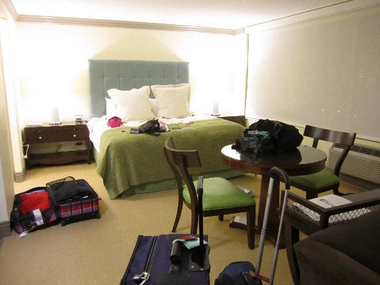 Sutton Court Hotel Residences照片