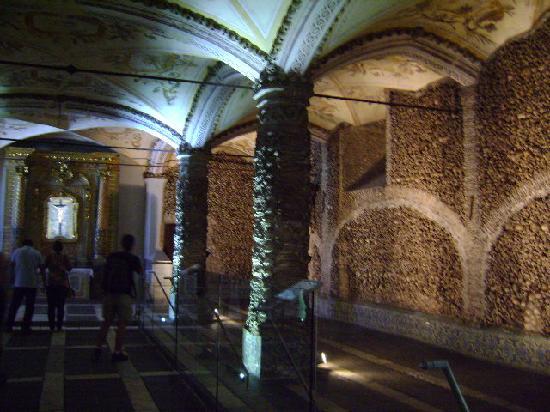 Capela dos Ossos : Capilla de los Huesos, Évora, Portugal.