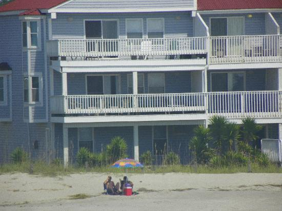 Oak Island, Carolina del Norte: Townhouse to the left