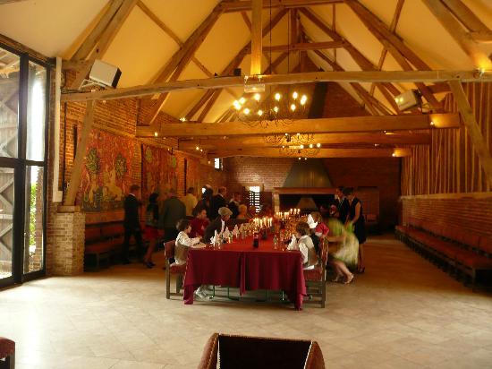 Hostellerie Le Clos du Moulin : encore la salle