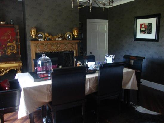 Brook House: Lovely dining room where we enjoyed our declicious homemade breakfast every morning