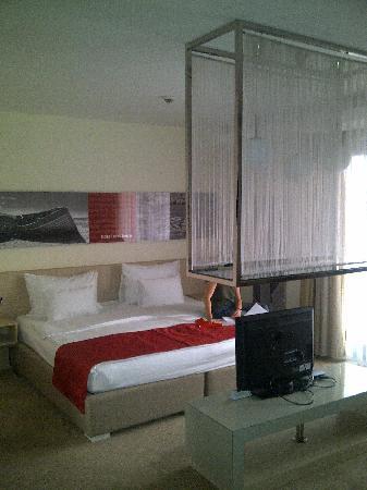 Hotel HEC Residence: Chambre Suite junior avec balcon