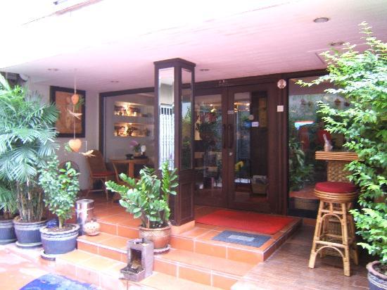 Baan Sukhumvit Inn Soi 20: Entrance