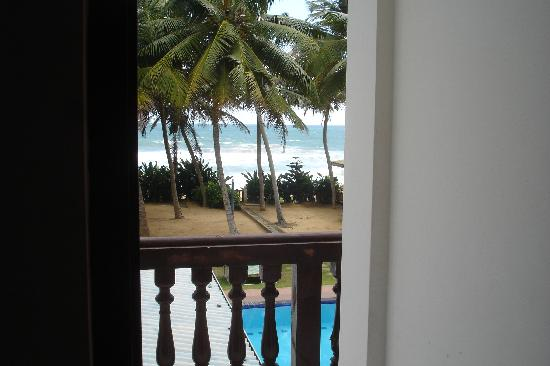 Hotel Ocean View Cottage: View from the bed! ;)