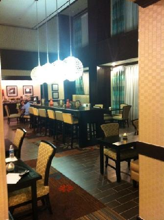 Hampton Inn & Suites Denison: Hotel Lobby