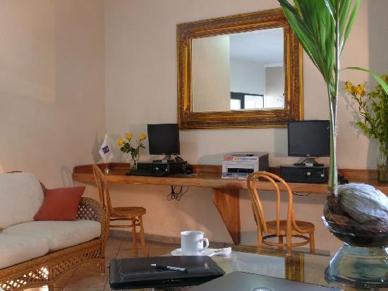 Comfort Inn Tampico: Centro de Negocios