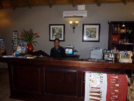 Falaza Game Park & Spa : La réceptionniste (très chaleureuse et accueillante)
