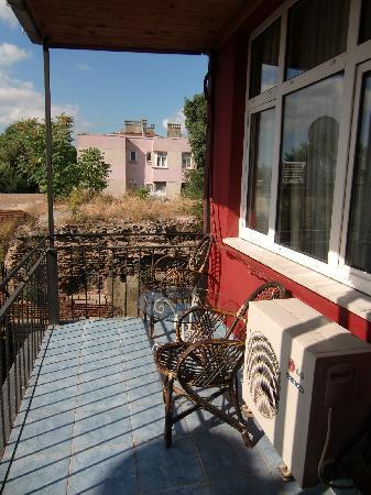Antique Hostel - Guest House: バルコニー