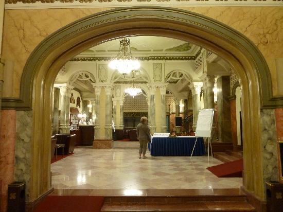 Hotel Palatinus City Center: Hotel's Hall