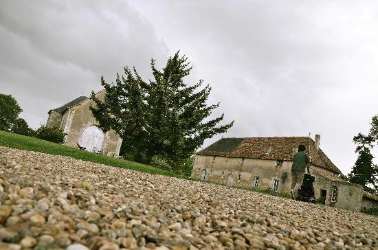 Chateau de Boiscoursier: vue du coin de la maison