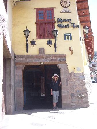 Hotel Munay Wasi: entrance to the hotel