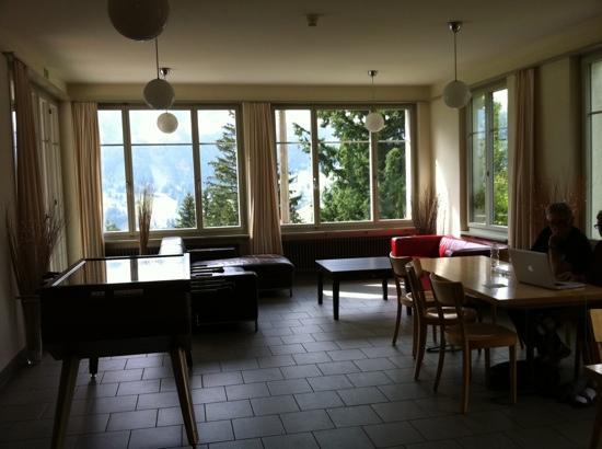 Grindelwald Youth Hostel: lounge