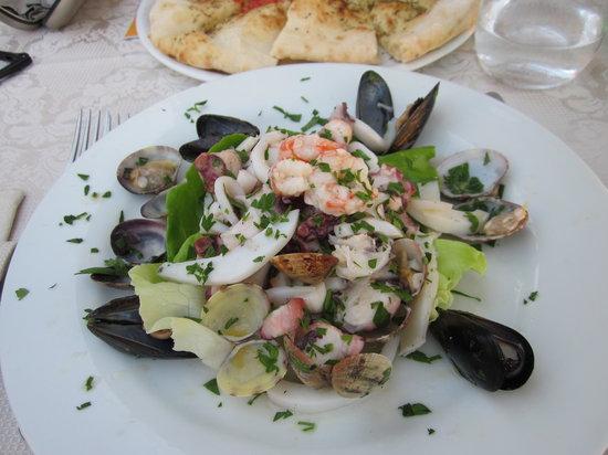 La Kambusa di Leonelli: Fantastic Seafood Salad