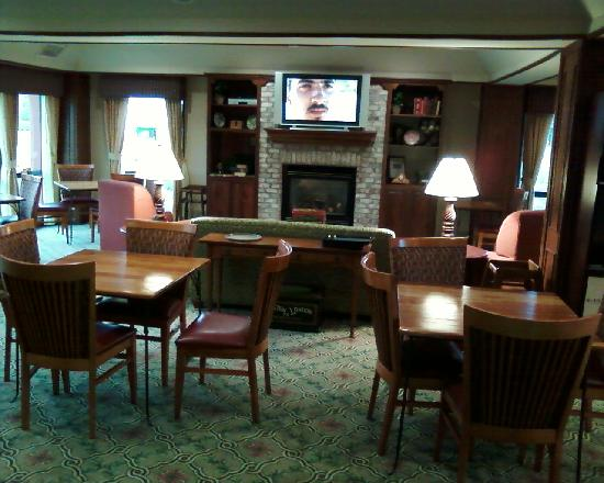 Hampton Inn Shelbyville: Dinning