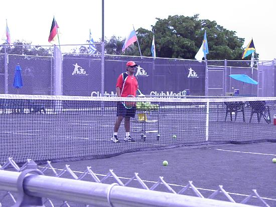 Club Med Sandpiper Bay: Gino giving tennis lessons