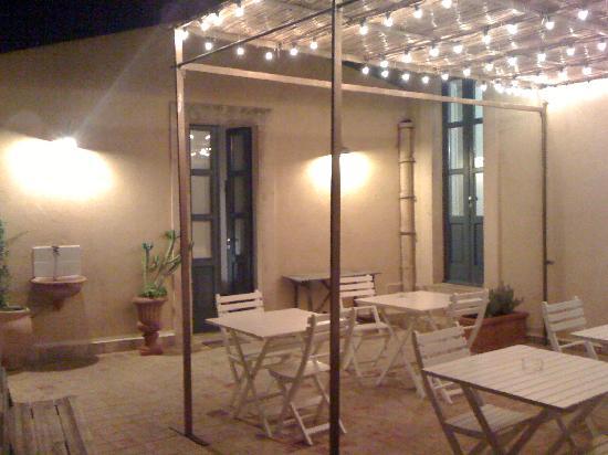 Hotel Gutkowski: il terrazzino di sera