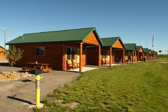Frontier Cabins Motel: Außenansicht