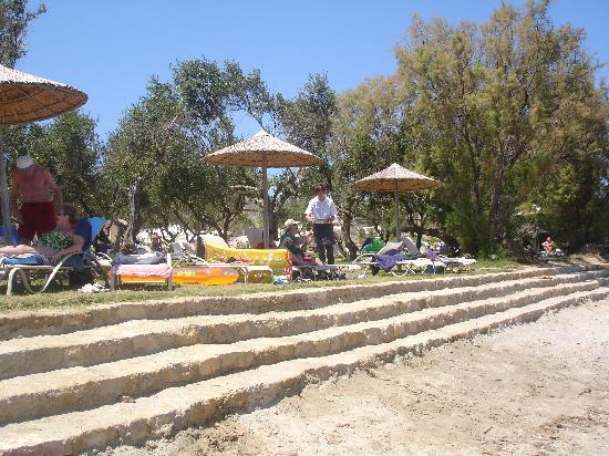 Atlantica Eleon Grand Resort & Spa: New entry to the beach