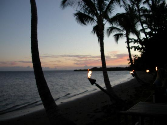 Hula Shores: The view from our table one night