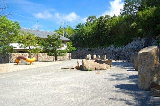 Takamatsu, Japan: 駐車場の公園です。撮影はここくらいです。