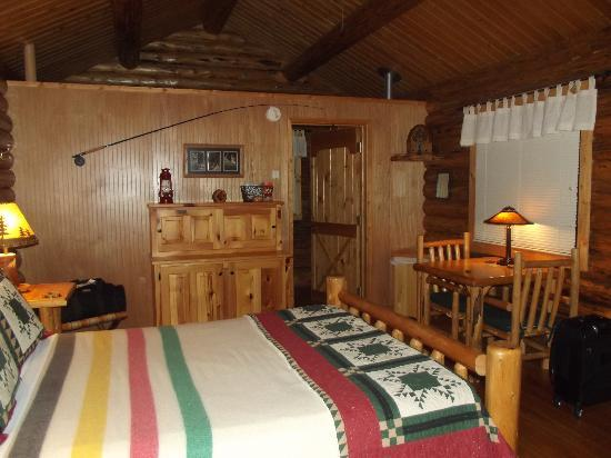 Silverwolf Log Chalet Resort: The interior