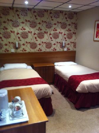 Doric Hotel: twin rm!