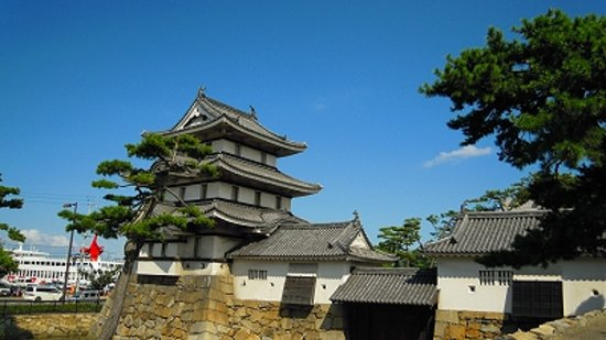 Tamamo Park: 月見櫓です。