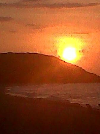 Costa Caribe Beach Hotel & Resort: Atardecer en la playa del hotel
