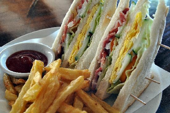Nagisa Coffee Shop: Bacon & Egg sandwich