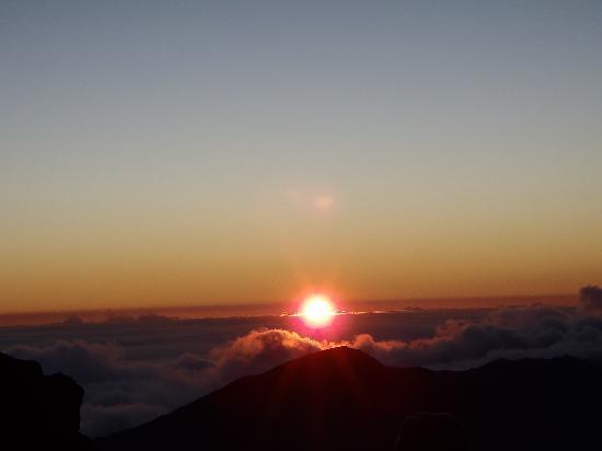 Paia, HI: sun rising