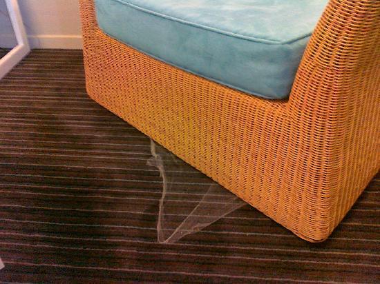 โรงแรมไวบ์ ดาร์วิน วอเตอร์ฟร้อนท์: Clearly the chair hadn't been moved for a while