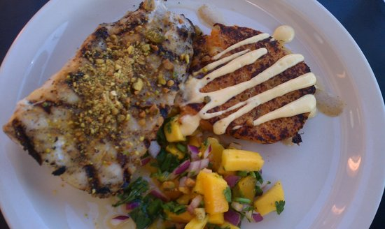 Photo of American Restaurant Flying Mango at 4345 Hickman Rd, Des Moines, IA 50310, United States