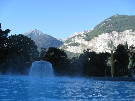 Grand Hotel Des Bains : View of mountains from the thermal baths