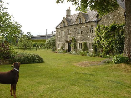Corston Fields Farm : Farmhouse with Lady