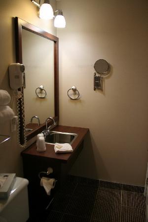 Hotel du Nord: Salle de bain minuscule