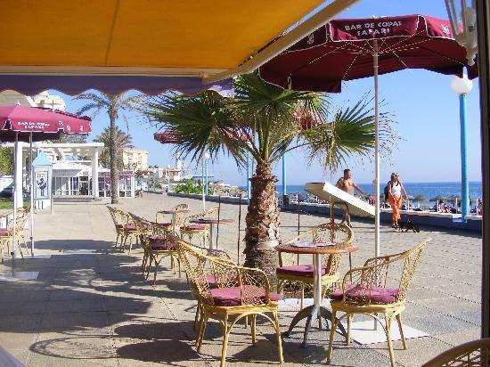 Torrox Costa Promenade: safari bar