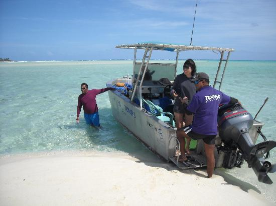 Teking Lagoon Cruises: TeKing and his boat