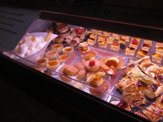 As Hotel: Le buffet de désserts trop grand pour une photo