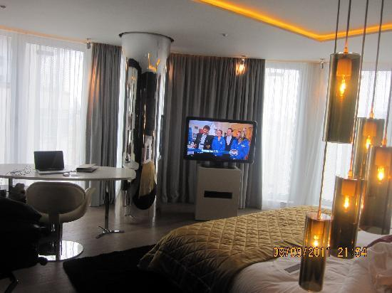 W London Leicester Square: Bedroom- Wow Suite