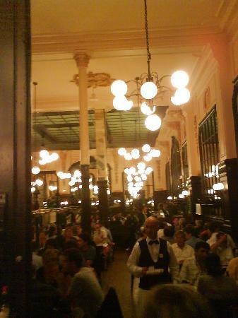 Le Bouillon Chartier: La salle